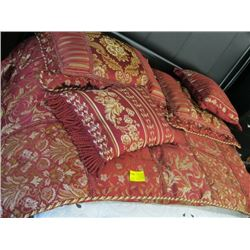 GOLD & WINE COLORED QUILT WITH PILLOWS