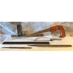 VINTAGE HAND TOOLS -  6 X FILES / SAWS / LEVEL