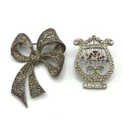 2 LARGE BROOCHES RHINESTONES