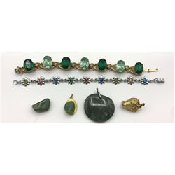 LARGE LOT OF GREEN STONE JEWELRY