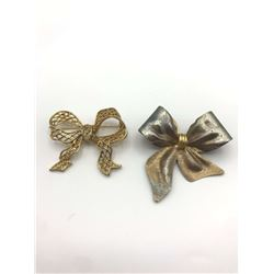 2 BOW SHAPED BROOCHES LARGE