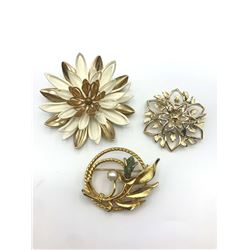 3 SARAH COVENTRY BROOCHES FLOWER