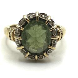 10K RING W DIAMONDS/ GREEN STONE SIZE 7
