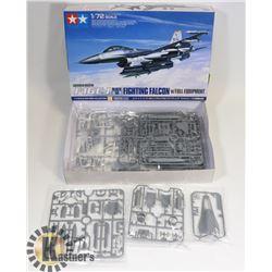 LOCKHEED MARTIN F16CJ FIGHTING FALCON MODEL KIT