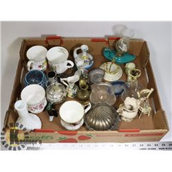 FLAT OF ASSORTED COLLECTIBLES INCLUDING