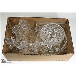 CRYSTAL- ASSORTED DECORATIVE PIECES