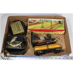 FLAT OF MODEL TRAINS AND ACCESSORIES