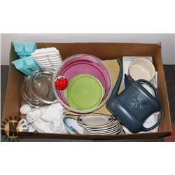 CASSEROLE DISHES, PLATES, SERVING BOWLS