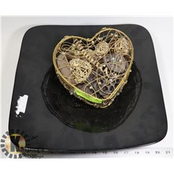 HEART SHAPED STORAGE WITH LARGE BLACK CENTER PIECE