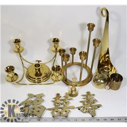 FLAT OF ASSORTED BRASS COLLECTIBLES