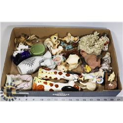 FLAT OF ASSORTED ESTATE ORNAMENTS INCLUDES