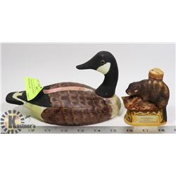 2 VINTAGES DECANTERS BEAVER AND MALLARD