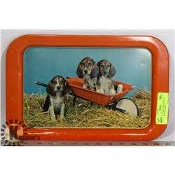VINTAGE COLLECTIBLE METAL TRAY WITH HOUNDS