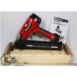 NEVER USED SNAP-ON NAILER MODEL DA64 1 1/4 TO