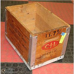 VINTAGE CIL WOODEN SHOTSHELL AMMUNITION BOX