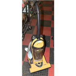 HOOVER 12 AMP UPRIGHT VACUUM. APPLIANCES