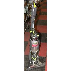 HOOVER UPRIGHT VACUUM. APPLIANCES