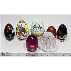 COLLECTION OF GLASS AND PORCELAIN EGGS