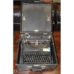 ANTIQUE REMINGTON RAND TYPEWRITER IN CASE