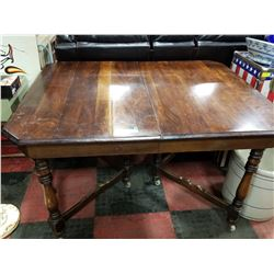 ANTIQUE GATE LEG TABLE WITH LOVELY PATINA