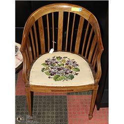 ANTIQUE CHAIR WITH NEEDLE POINT