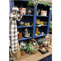 SHELF LOT OF COUNTRY CHARM ITEMS