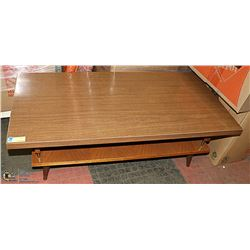 VINTAGE COFFEE TABLE. FURNITURE