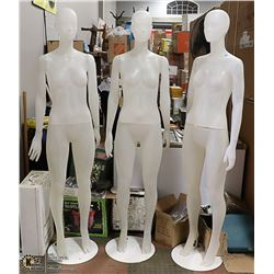 LOT OF 3 MANNEQUINS WITH STANDS