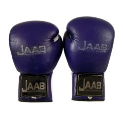 Southpaw Billy Hope (Jake Gyllenhaal) Boxing Gloves Movie Props