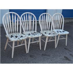 Set of 4 Wooden Chairs with Painted Bird Design (1 Has Broken Spindle)