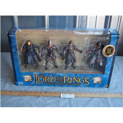 Lord of the Rings Warriors of the Two Towers 4  Poseable Figurines N.I.B