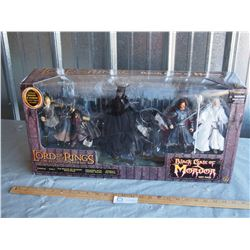 Lord of the Rings Black Gate of Mordor Figurine Gift Set N.I.B
