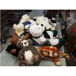 Lot of Stuffed Animals (Beanie Baby Bunny)