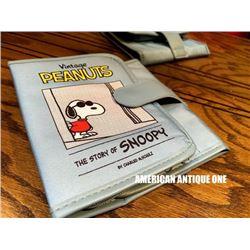 Snoopy / makeup pouch light blue