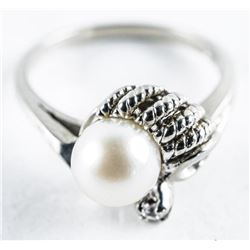 Estate 10kt Gold Pearl and Diamond Ring. Size  6.5