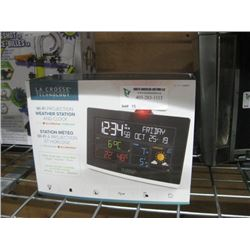 NEW LA CROSSE TECHNOLOGY WIFI PROJECTION AND CLOCK