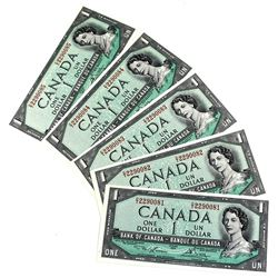 1954 BC-37d Bank of Canada $1 Notes Lawson-Bouey Signatures with Consecutive Serial Numbers D/I22900