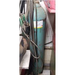 ARGON WIRE FED WELDER/ OXYGEN TANK WITH TORCH AND HOSES