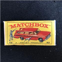 """MATCHBOX"" SERIES #42 A LESNEY STUDEBAKER LARK WAGONAIRE w/ HUNTER & DOG"