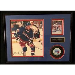 WAYNE GRETZKY SIGNED 8X10 FRAMED CARD and PUCK DISPLAY w/ COA