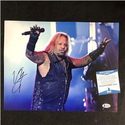 "Vince Neil Signed ""Mötley Crüe"" 11x14 Photo (Beckett COA)"