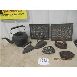Heavy Metal Kettle, 2 Heat Grates, Irons & Rests - Vintage