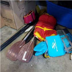LOT OF PADDLES W/ 3 LIFE JACKETS