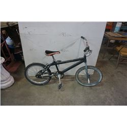 NO NAME BLACK BMX BIKE