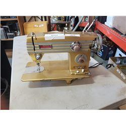 VINTAGE DOMESTIC MODEL 765 SEWING MACHINE