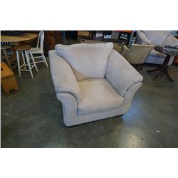MICROFIBER ARM CHAIR