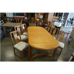 OAK DINING TABLE W/ 2 LEAFS AND 6 CHAIRS