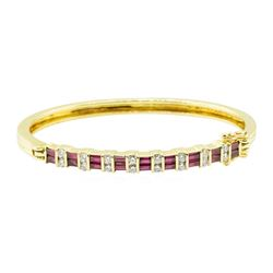 2.06 ctw Baguette Step Rubies And Diamond Bracelet - 18KT Yellow Gold