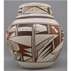 HOPI INDIAN POTTERY VASE (GRACE NAVASIE)