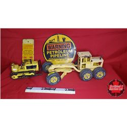 2 Construction Toys & Warning Petroleum Pipeline Sign & AGT Caution Buried Cable Sign